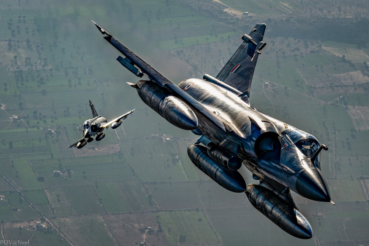 #MondayEnthusiasm  Knights in Shining Armour.  A pair of Vajras, in all glory.  #MissionReady  #IndianAirForce