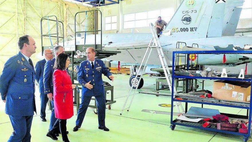 El #EjércitodelAire renueva la flota  de aviones de combate de #Gando. Los F-18 dicen adiós despues de 20 años de #servicio para dar paso a los #Eurofighter, la apuesta de Europa.
