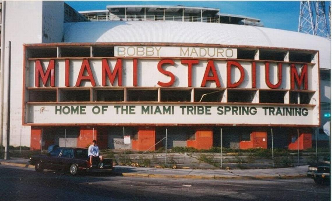 That's Abel Sanchez at Miami Stadium in 2001 before demolition. Spring training home of the Dodgers in the 50's and then long time spring home of the Orioles (1959-1990). This image was used by Sanchez to raise $2,500 for a historic marker on the site which is seen here in 2017. https://t.co/rP9KeJauS5
