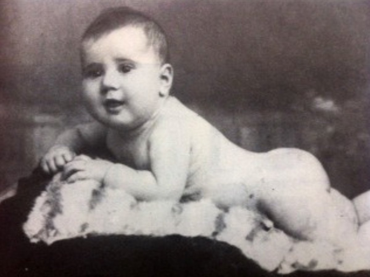 7 March 1942 | A French Jewish girl, Claudine Ruben, was born in Paris.  She arrived at #Auschwitz on 20 July 1943 in a transport of 1,000 Jews deported from Drancy. She was among the 440 people murdered after selection in a gas chamber.