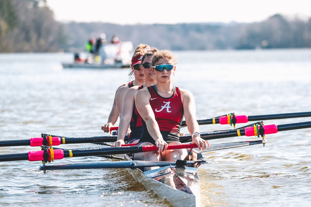 .@AlabamaRow 🔒 in for the new season! 😎🚣‍♀️ #RollTide