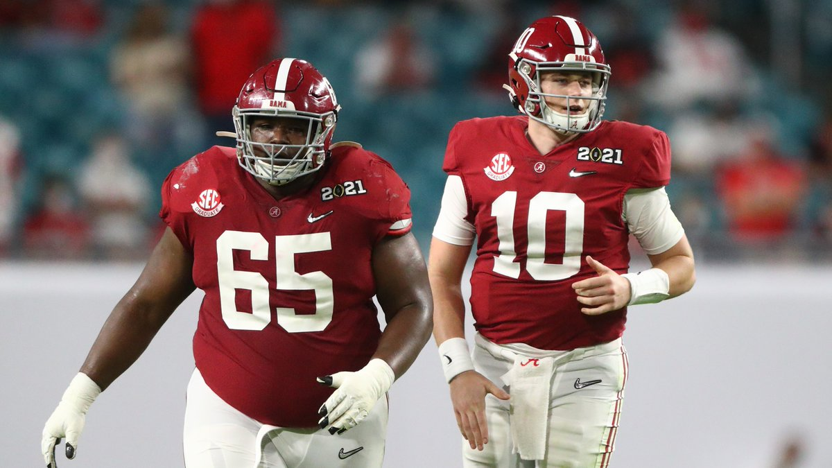 Deonte Brown hasn't allowed a sack across 916 pass-block snaps at Alabama https://t.co/P6NIe7CkXD