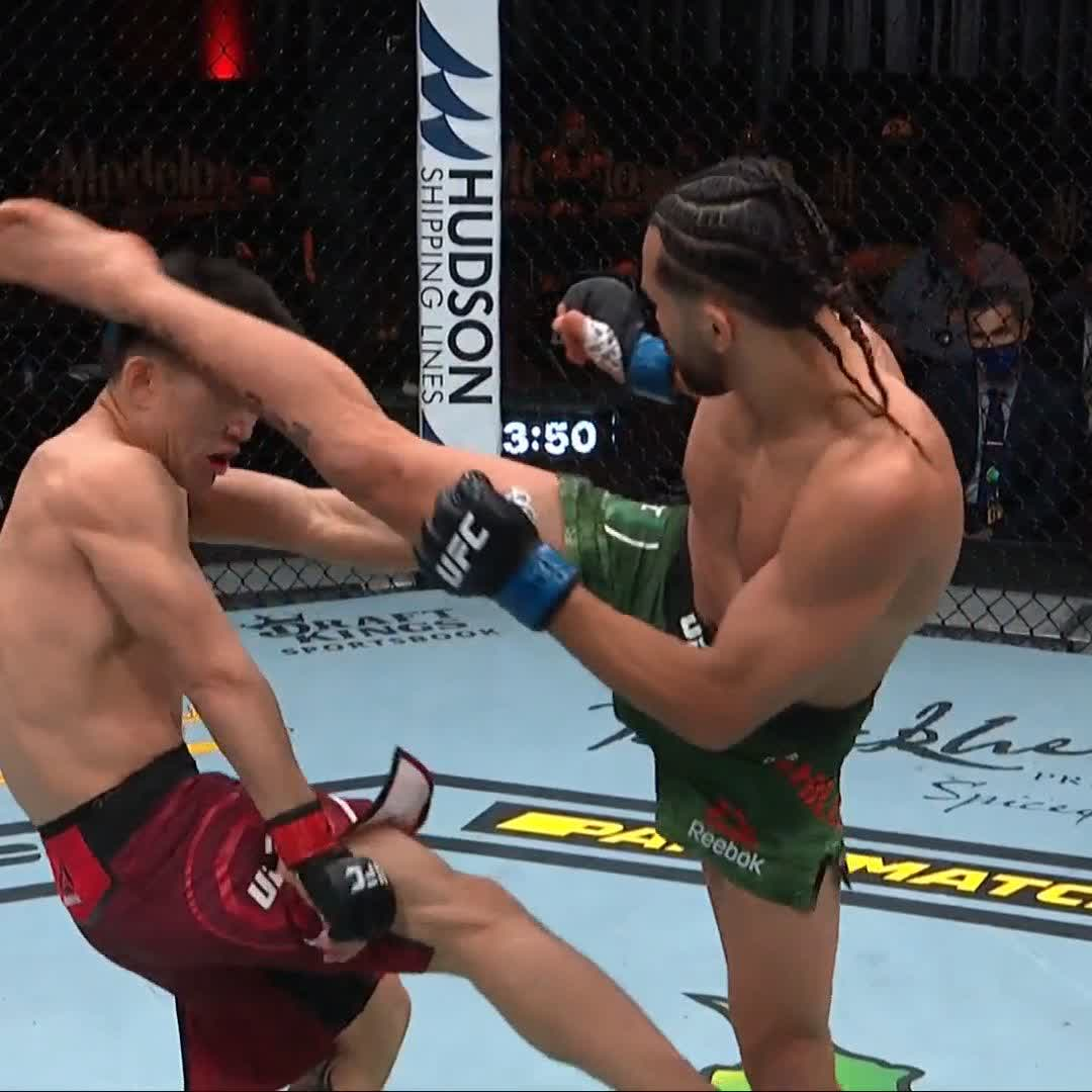 😱 SERIOUSLY. What is Song Yadong made of?! #UFC259 https://t.co/wcPEGvYJrh