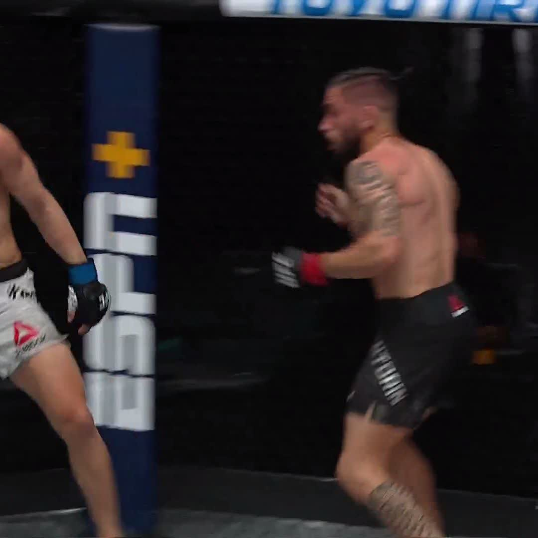 HE TOLD YOU NOT TO BLINK!   🇳🇿 @KaiKaraFrance gets the WALK OFF KNOCKOUT! #UFC259 https://t.co/5Ca1GxhdJH