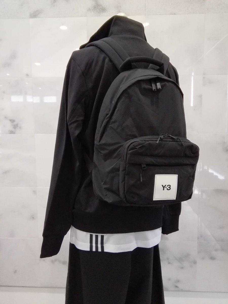 Y-3のお勧めバックパックです(^-^) Y-3 テクライト トゥイーク バックパックは ハイテクの生地を使い やや小さめで軽くて使い勝手の良さがポイントです☆☆☆  #y3 #adidasy3 #yohjiyamamoto #y3backpack #backpack  #バックパック #BISE #ビセ