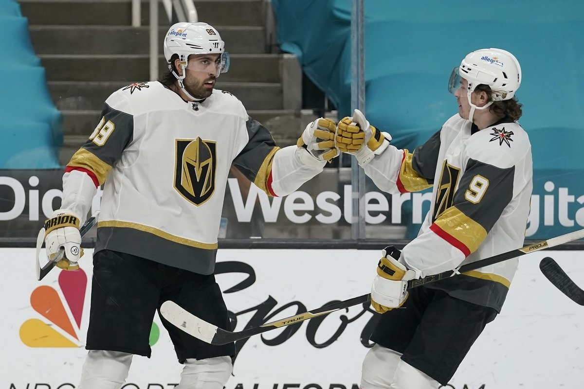 @8NewsNow's photo on Alex Tuch