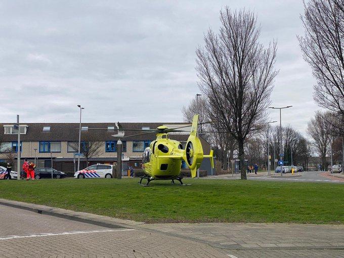 Traumahelikopter naarHoek van Holland voor een medische noodsituatie. https://t.co/1RjEgN45ee