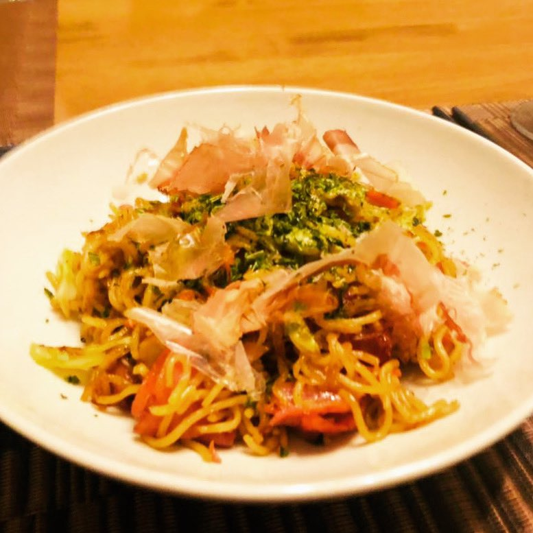 How do you celebrate Valentine's Day in the midst of a pandemic? Online shopping for the gift and home cooked Japanese stir fried noodles or Yakisoba with recipe from MASA's Cuisine ABC for a romantic dinner. Happy 25th Valentine's Day Adlin 😘 #happyvalentinesday #yakisoba