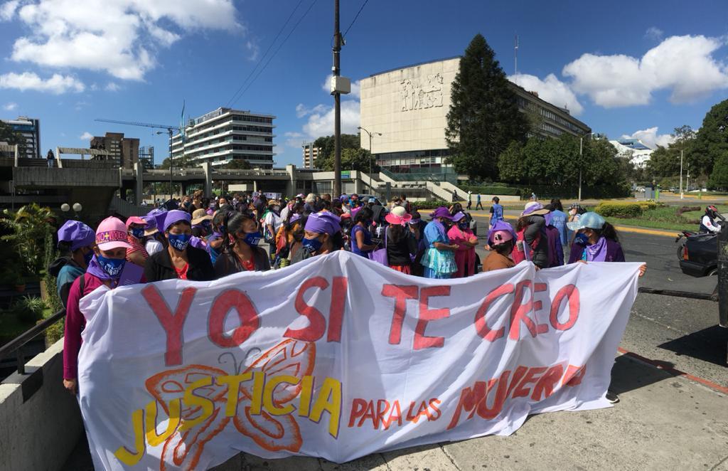 test Twitter Media - A un día de conmemorar el día de la mujer esta mañana se realizará una marcha que saldrá del Organismo Judicial.Foto: José Orozco/ LH https://t.co/7uosirTzFV