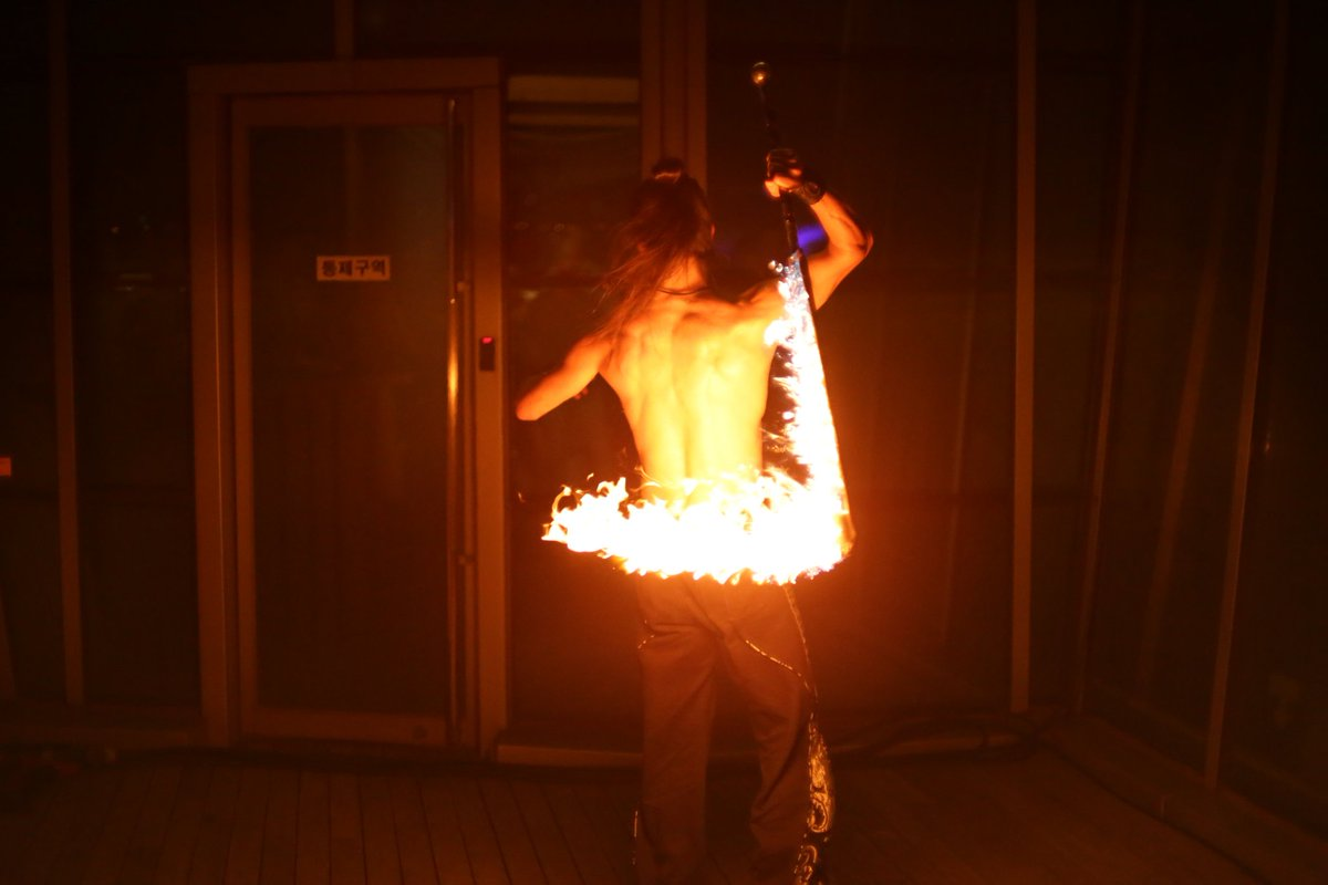 Reminds me of #fireforce  #photography #photo #art #ArtistOnTwitter #artistsontwitter #Artist #fire #dance