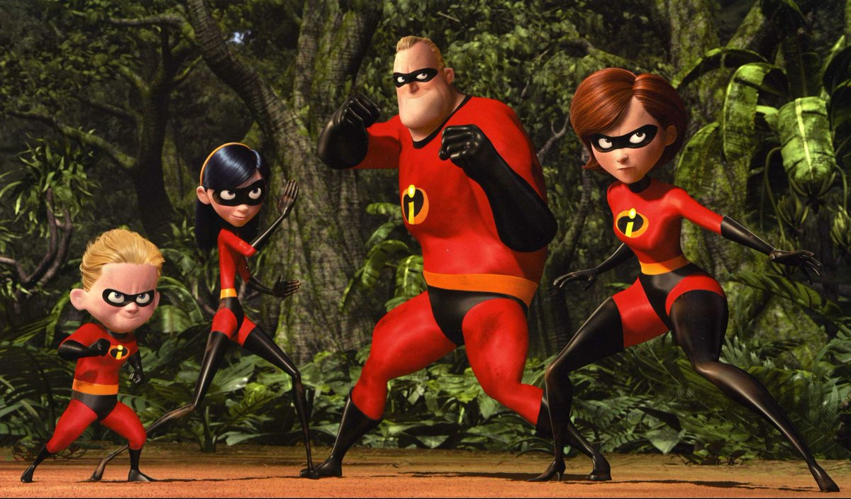 This sequence from #WandaVision  reminds me of the same family scene as in the movie #TheIncredibles .