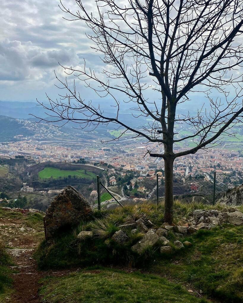 ⛰ ⛰ B E R G U E D À ⛰ ⛰  #berga #bergueda #mountains #igersbcn #photoshoot #mapassionacatalunya #catalunya #catalonia #photography #awesome_shots #awesome #doubletap #l4l #follow #followme #iphoneography #iPhoneOnly #follow4follow #iger #igers #Igda…