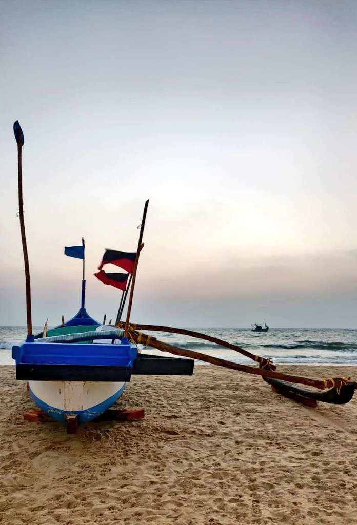 This magical view at the Goan beach😍...Sunset, sea, boat and me...😃 #Goa #tripotocommunity #IncredibleIndia #sunset #beachvibes #sealife #boat #beautifuldestination #beachlover #goatourism #travelblogger #SundayThoughts