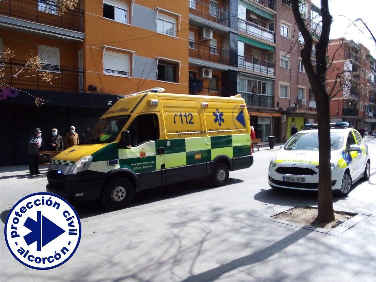 ÚltimahoraNews ⚠️: 💢.@PCivil_Alcorcon💢 🗨️ Asistencia Sanitaria urgente a petición del ...... Colabora en la intervención @PoliciaAlcorcon  ᑕOᗰᑭᖇOᗰETIᗪOᔕ Eᑎ IᑎᖴOᖇᗰᗩᖇ [Eᔕ] 【ES】 🄴🄽🅂🄰🄽🄲🄷🄴🅂🅄🅁 #Alcorcón #𝗡𝗲𝘄𝘀𝗘𝗻𝘀𝗮𝗻𝗰𝗵𝗲𝗦𝘂𝗿  ᴹáˢ info 🔻