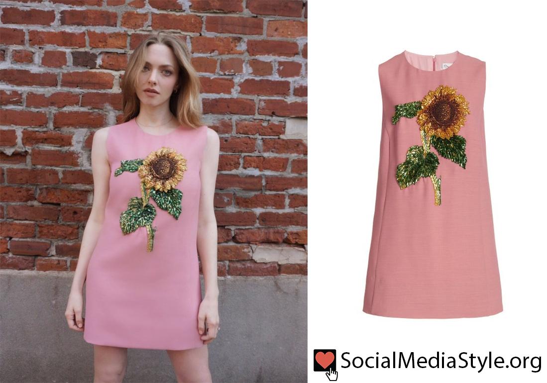 Buy @AmandaSeyfried's @OscardelaRenta beaded sunflower dress from @FallonTonight here:  #AmandaSeyfried #beadeddress #sunflowerdress #flowerdress #pinkdress #shiftdress #TheTonightShow #TonightShow #FallonTonight #OscardelaRenta #sunflower #sunflowers