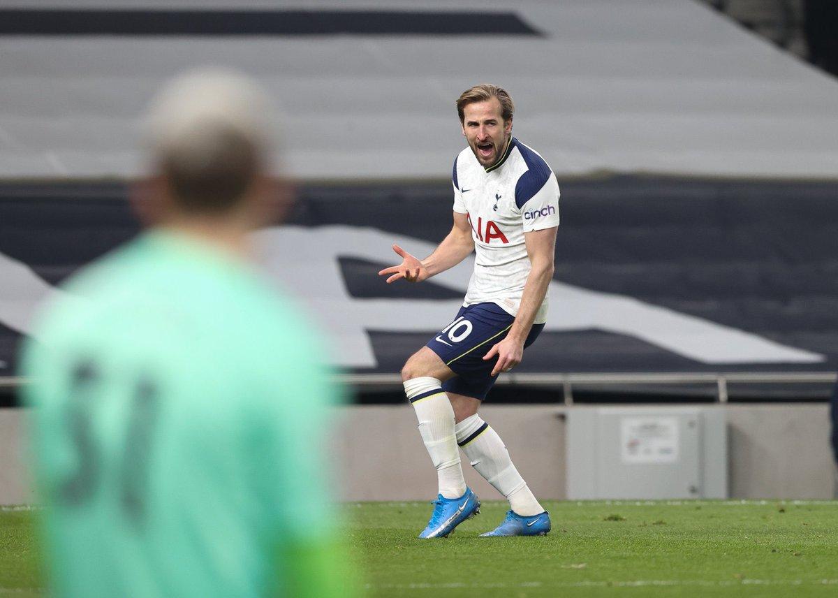Harry Kane is the first Spurs player to score 2+ goals and provide 2+ assists in a Premier League game since Jürgen Klinsmann in May 1998 (4 goals, 2 assists versus Wimbledon). Shegzeblog #bbcfootball #FULTOT #BHALEI https://t.co/mYS8arN8Ki