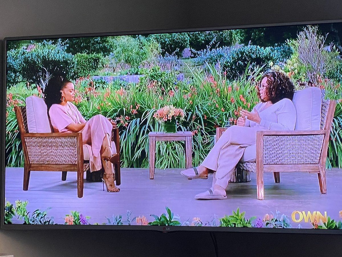 I'm absolutely loving this conversation between @AndraDayMusic & @Oprah from last nights #OWNSpotlight, now showing on @SuperSoulSunday. The way Andra shares about his she got prepared for this role and how we should see #BillieHoliday is well said. #USvsBillieHoliday #SSS