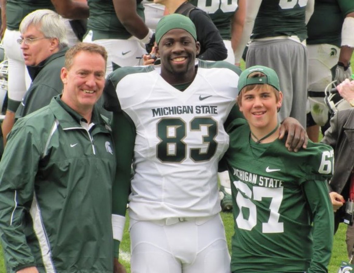 RT @thesportsontap: Literally no clue Draymond Green played TE at Michigan State until now 😂 https://t.co/jgH082OWEl