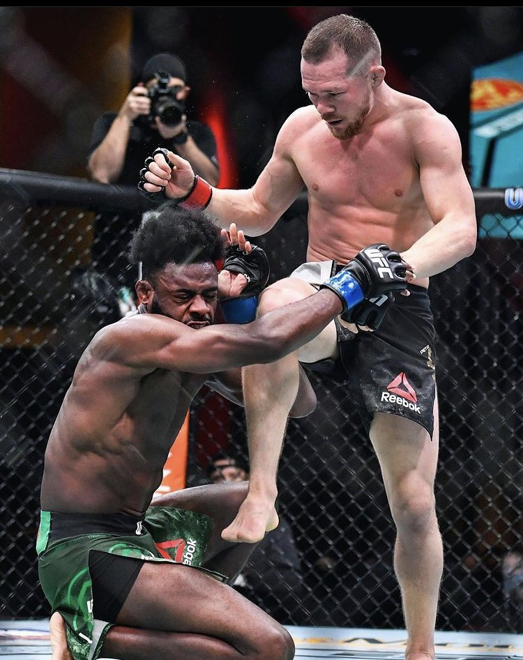 This was an illegal knee but they most definitely shouldn't have crowned his gassed out acting ass #ufc259 #MMA