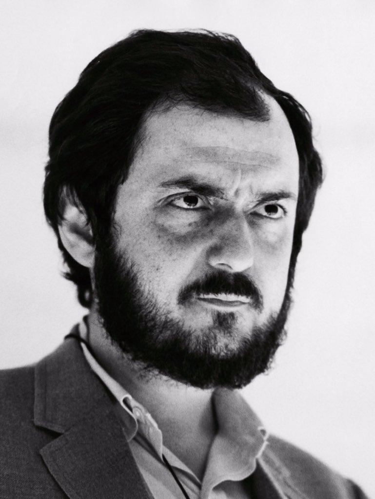 Hoy hace 22 años que nos dejó el gran Stanley Kubrick, director de culto que innovó como nadie en el cine. https://t.co/4edRhuSYBZ