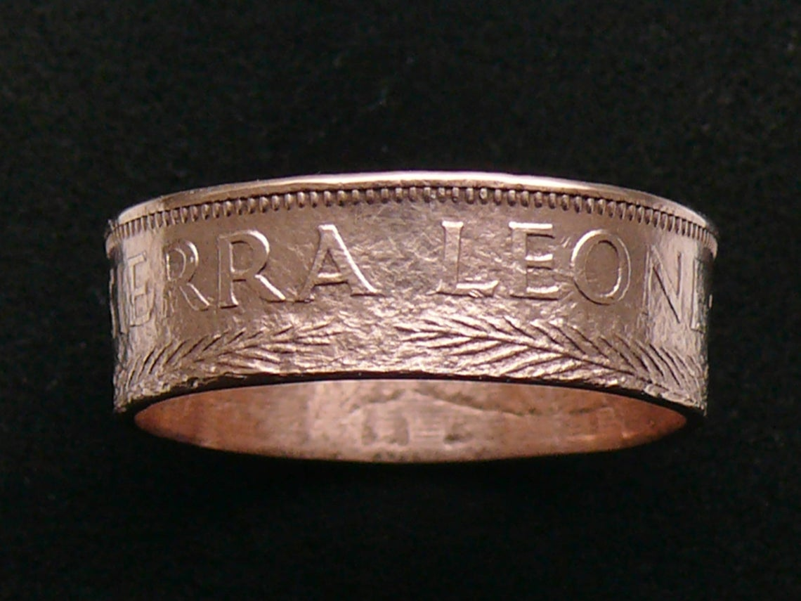Anyone know who has a connection to #SierraLeone in @packers  Wisconsin? This coin ring sold and is on its way to #GreenBay #cheeseheads #GoPackGo #handmade #NFLTwitter