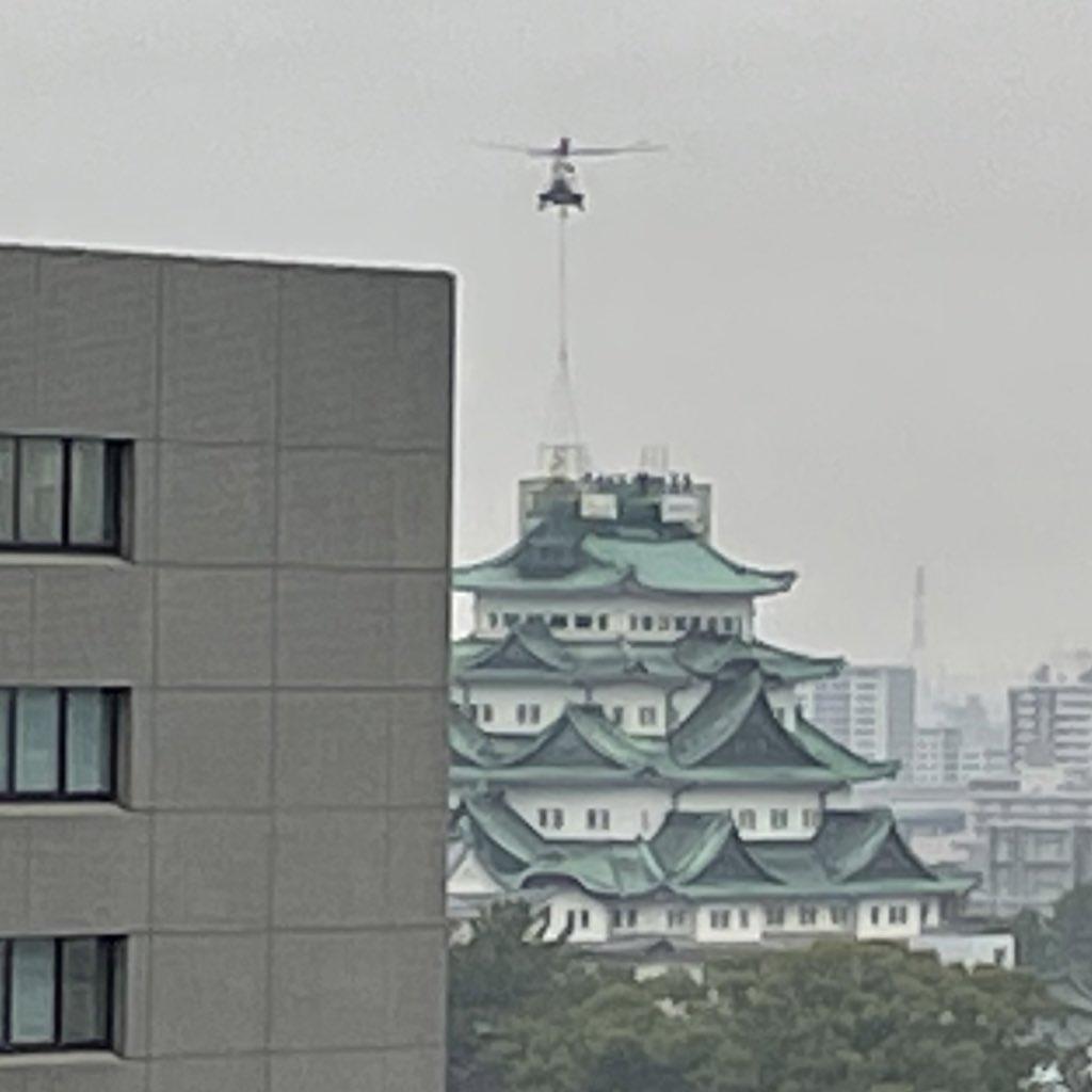 衝撃な場面を目撃!?名古屋城の金のシャチホコが取られた!宙を舞うシャチホコがシュールすぎる!