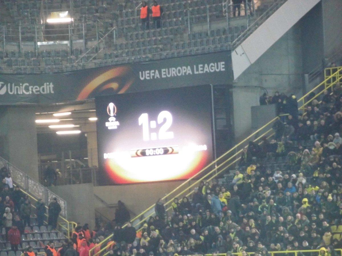 Heute vor 3 Jahren haben wir uns im #UEL Achtelfinale mit 1:2 #verStögert. 😏🖤💛