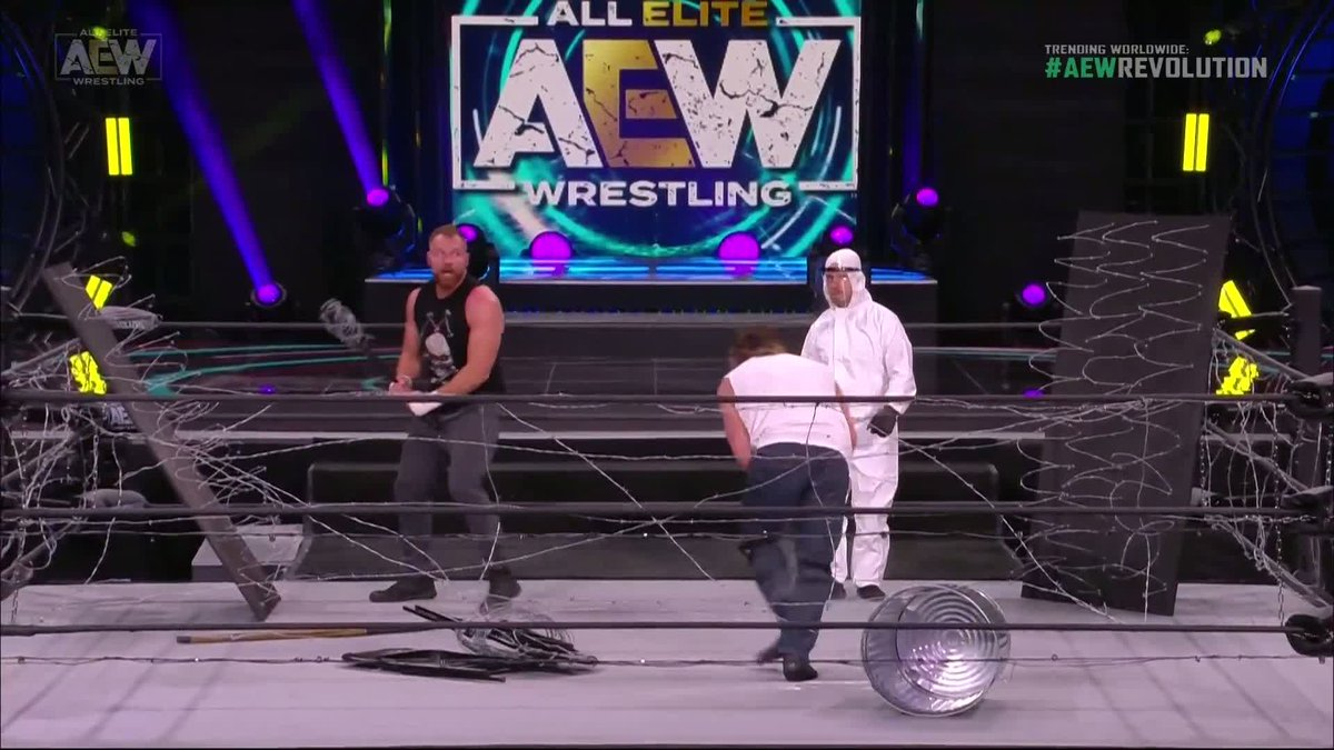 THE BARBED WIRE JUST EXPLODED 🤯  (via @AEW) https://t.co/hqG5DcxJvT
