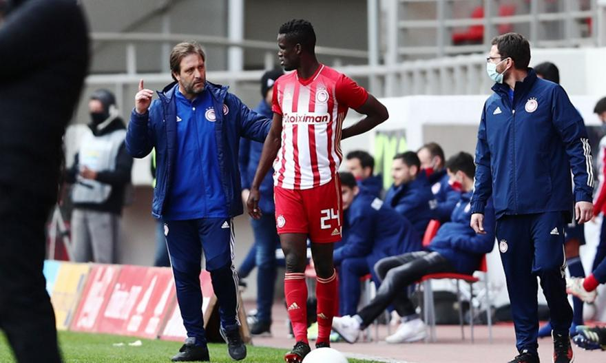 Sigh of relief for Olympiacos and Pedro Martins with Ousseynou Ba ready for Thursday's Europa League tie with Arsenal. The Senegalese centre-back was taken off early in the first half against Lamia as a precaution after feeling discomfort on his back.  #Olympiacos #SLGR #UEL