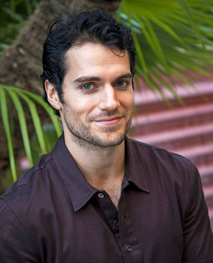 Have a pic of Henry Cavill for absolutely no reason at all. Good day.