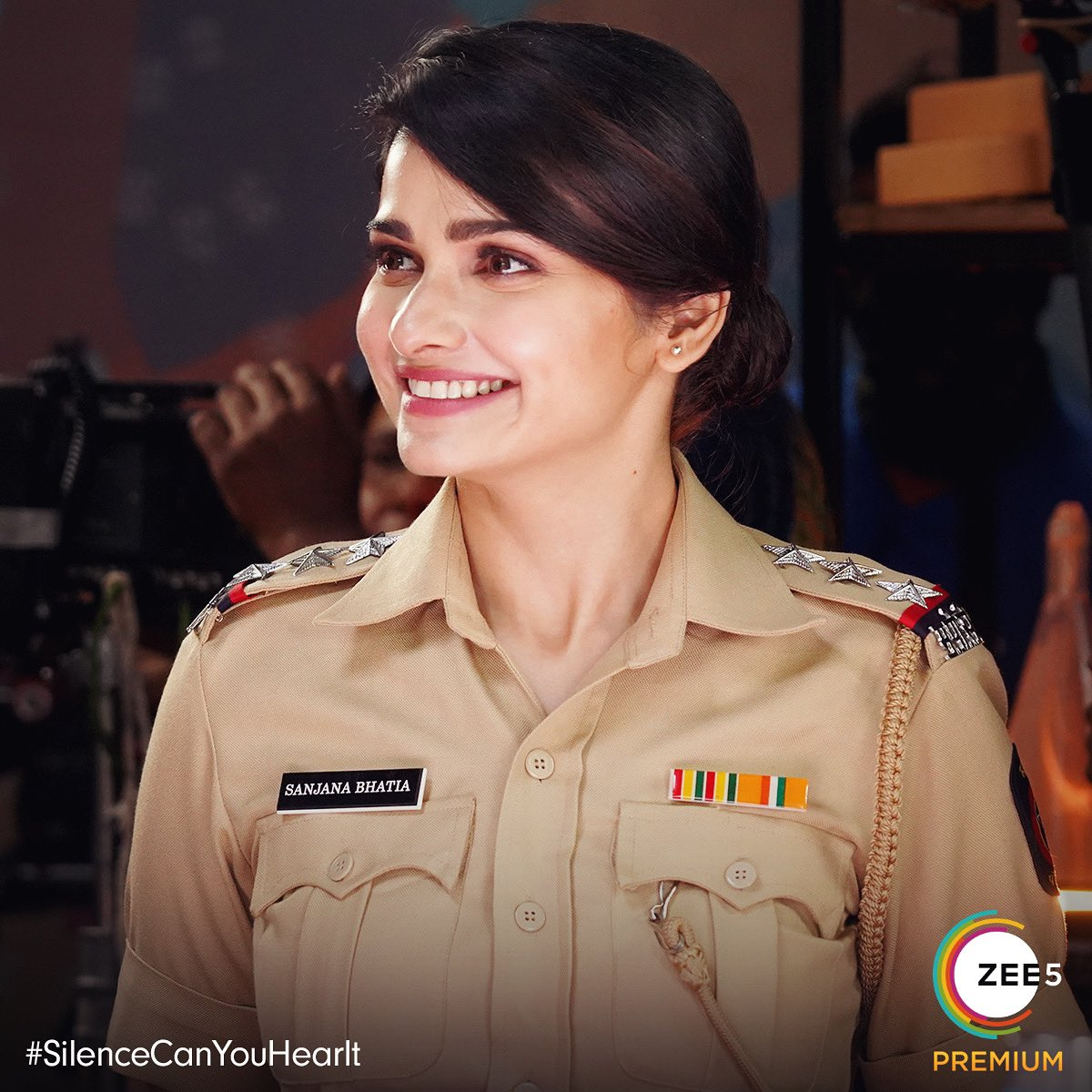 Forever indebted to Women cops all across the globe for setting an example that we can all be,do, & take a stand on anything we want! Women like Inspector Sanjana hv d strength to change d world,one smile at a time #HappyWomensDay to ALL THE AMAZING WOMEN in the world, everyday💜
