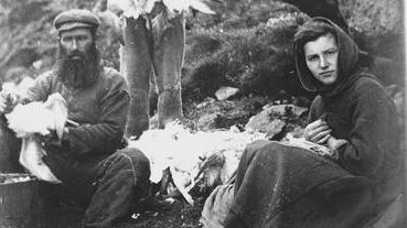 This week we'll look at the lives of #women on #StKilda. All hands on deck during the #fowling season, when women carried and plucked the #birds.  #WomensDay #womensday2021 #WomenSupportingWomen #History #seabirds #island #islandlife @N_T_S