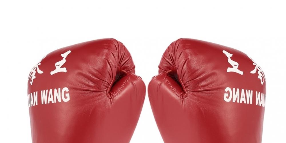 #thaiboxing #fitnessmotivation #kravmaga #knockout #repost #mcgregor #bhfyp #wingchun #blackbelt #sambo #wushu #love #box #fights #mma #ufc #boxing #bjj Red and Black Sand Bag Gloves