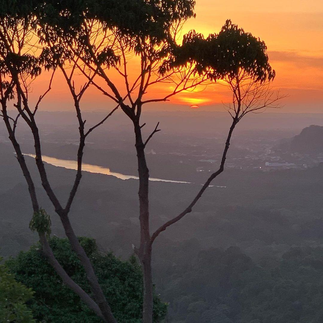 View of the setting sun from Bukit Saeh (Saeh Hill), Brunei-Muara-District, #Brunei. Photo: rainforestkayaker. #Borneo #nature