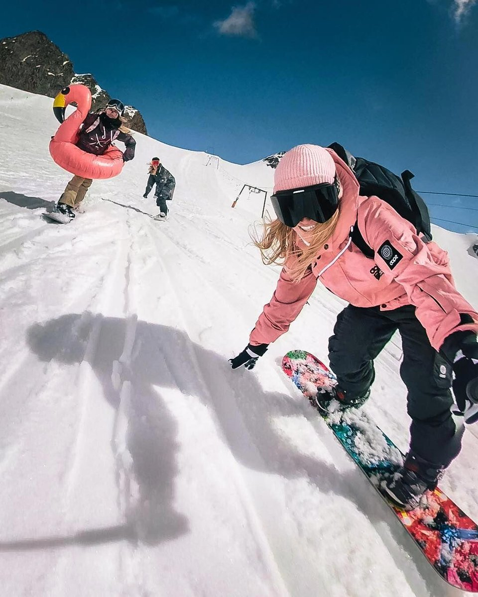 Check this guide to learn how to snowboard.   #how #to #snowboard #snowboarding #the #snow #ski #winter #why #skiing #mountains #nature #usa #mountain #easytripguides