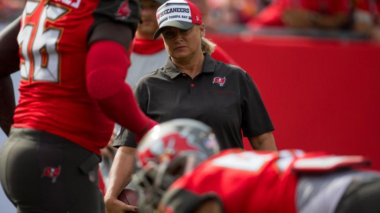 DIA INTERNACIONAL DA MULHER💗👏  Mulheres ganham mais espaço em comissões técnicas nos times da NFL   #NFL #DiaDasMulheres