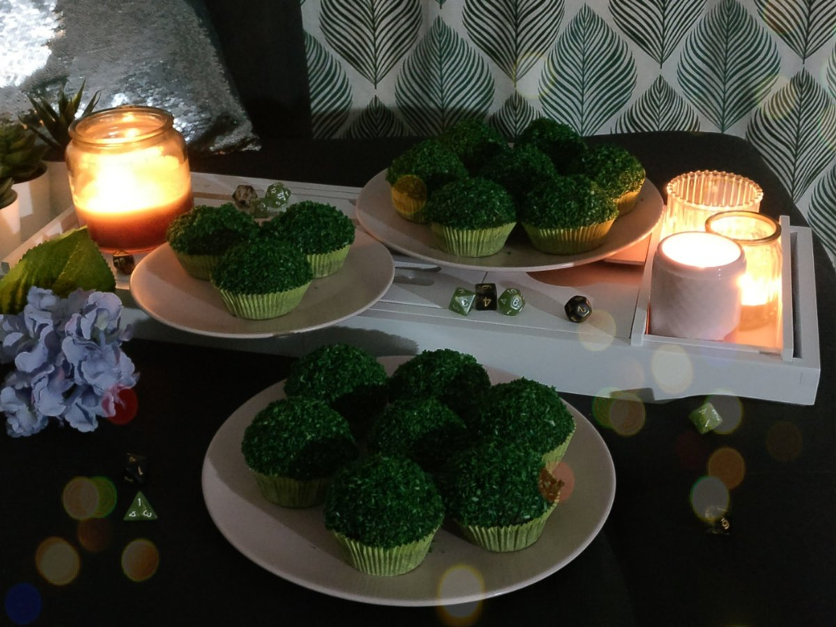 Critters in my area, send help. I made more black moss cupcakes than two women on a datenight could handle. What will I do?  #CriticalRole #CriticalRoleSpoilers