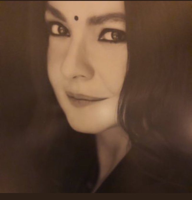 Happy birthday Pooja bhatt  Celebrating 49years