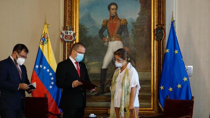 Tag venezuela en El Foro Militar de Venezuela  EvAJZgWXYAMDZfR?format=jpg&name=small