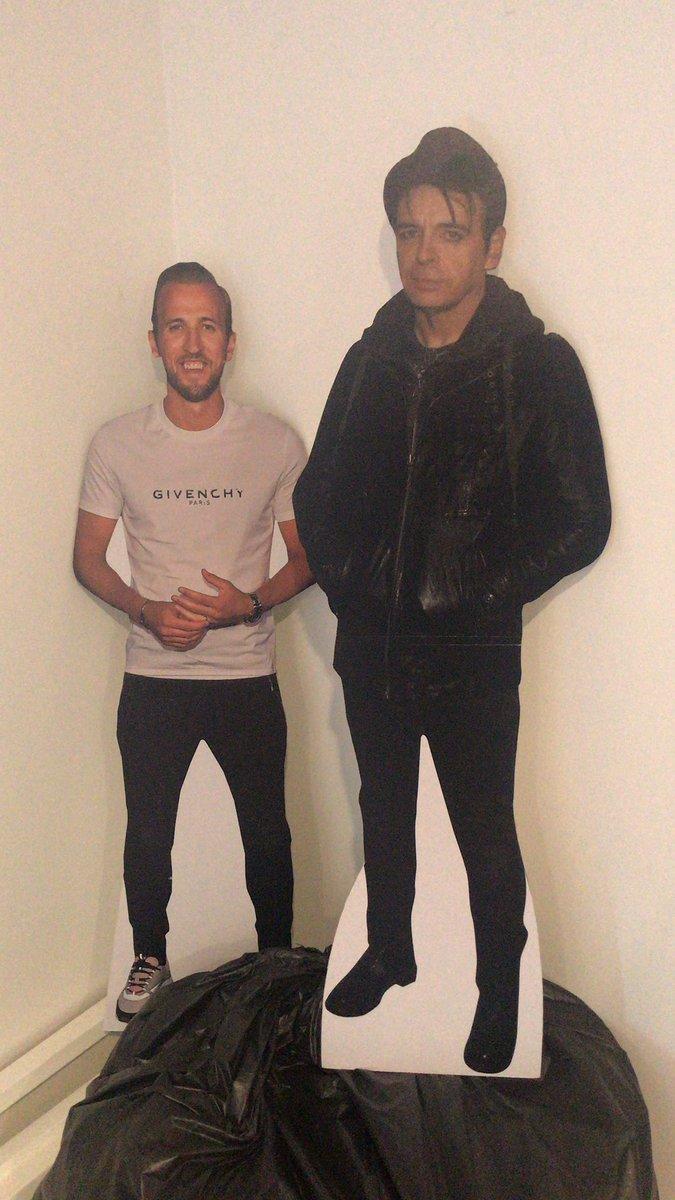 @Helencatchpole2 @Becca5489 @Stephan60777598 Harry meets Gary in my office 😁