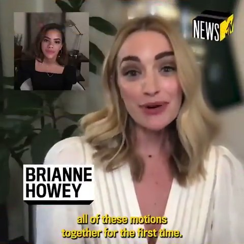 #GinnyAndGeorgia stars @Brianne_Howey and Antonia Gentry spilled to @MTVNews everything you need to know about their new @netflix series! 🎥