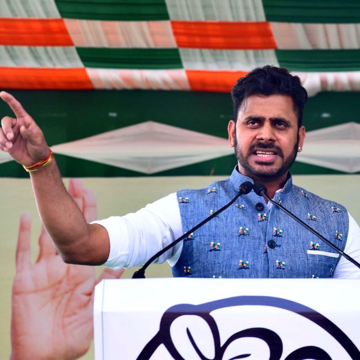 Angry Young Man @tiwarymanoj  Congratulations Good wishes for political inning #TMC #ManojTiwary