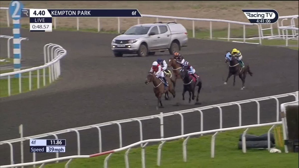 First career success! 👏  Many congrats to Oisin McSweeney, who strikes on his first ride for @RichardFahey aboard Elusive Treat at @kemptonparkrace @McsweeneyOisin