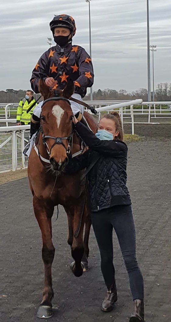 Elusive Treat makes it 3 wins for the season and Oisin McSweeney his first winner of his career. Well done all esp. Molly his groom
