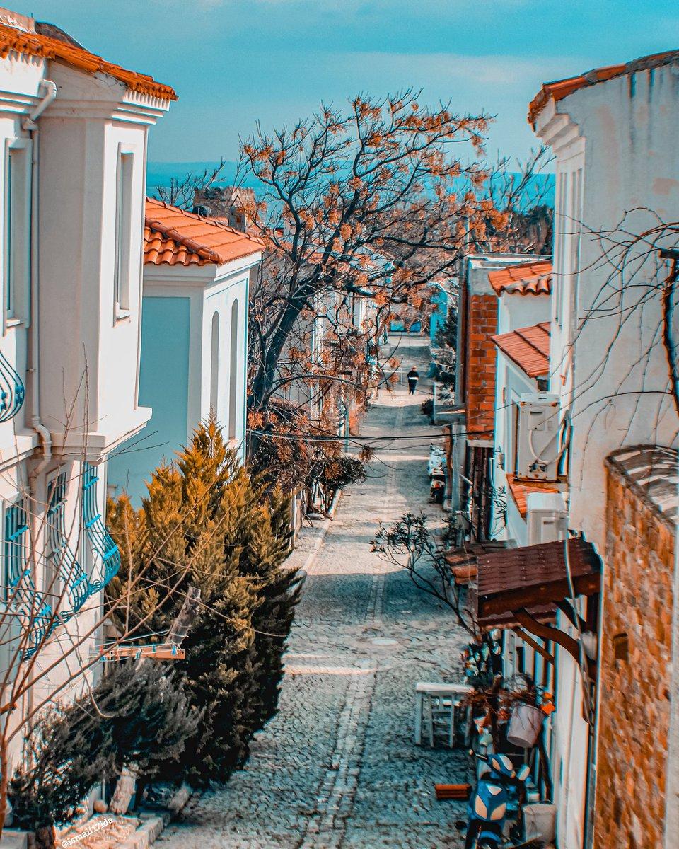 📍#Bozcaada  #Çanakkale #Tenedos #Canakkale #sehir #canon60d #sokakta   #Türkiye #anadolugram #turkey_home #comeseeturkey #manzara #fotografsevenler #sokak #street #dardanel #mavili https://t.co/6DIGVStesG