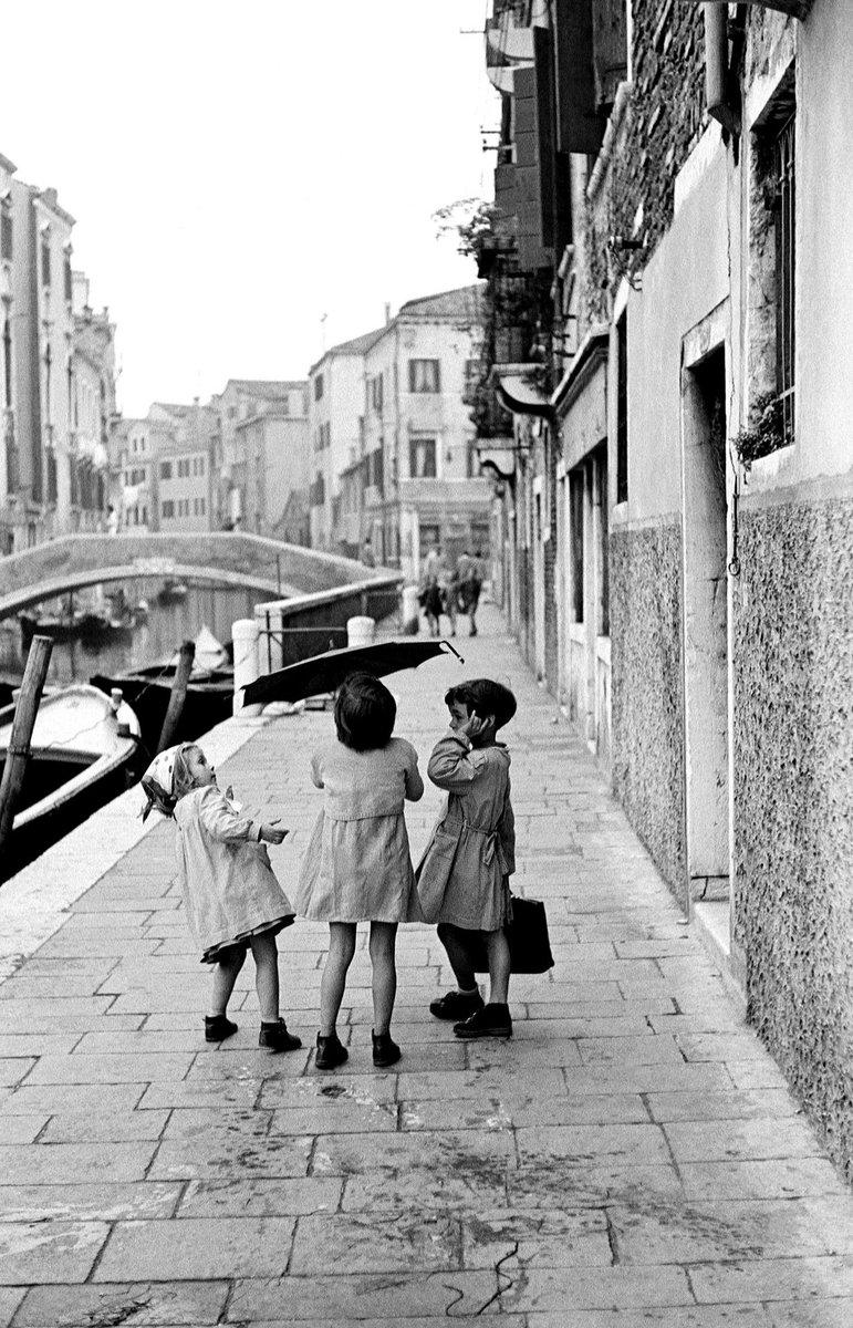 "Alessandro on Twitter: ""Venezia vista da INGE MORATH Venezia. 1955.… """