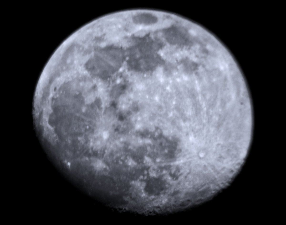 Moon 24022021  .  #buenasnoches  #picoftheday #pic #foto #luna #pics #moonlight #sky #cielo #goodnight #lunadefebrero #words #moon #buonanotte #bonsoir #satelite #fotografia #photography #artphoto #photographie #photooftheday #photo#night #noche #lunacreciente #space