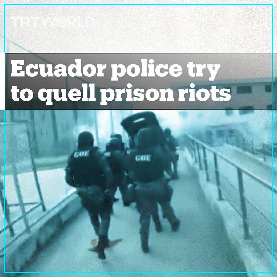 Dramatisches Videomaterial zeigt die Spezialeinheiten der ecuadorianischen Polizei, die versuchen, die Kontrolle über Gefängnisse zurückzugewinnen,