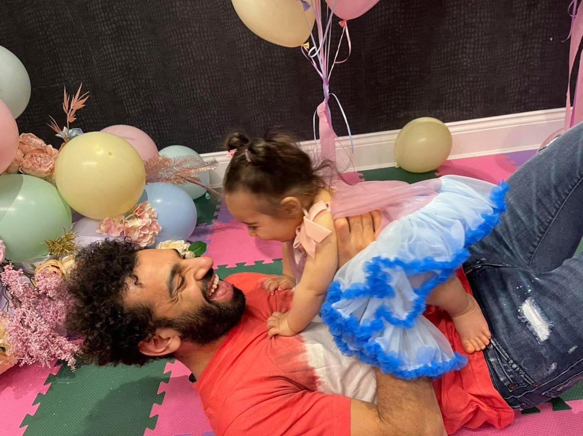 ربما ألطف شيء ستشاهده اليوم محمد صلاح رفقة ابنته كيان 