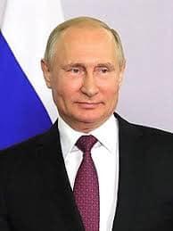 باپیرهی ئهم ڤلادمیر پۆتینهی ئێستا سهرۆكی روسیایه، وهك شێف كاری بۆ ستالین و لێنین و راسپوتین كردووه. Vladimir Putin's grandfather worked as a chef for Stalin and Lenin, and Rasputin.